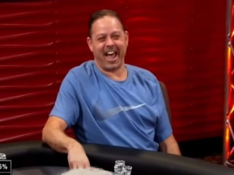 Poker Player Calls Out All Five Cards